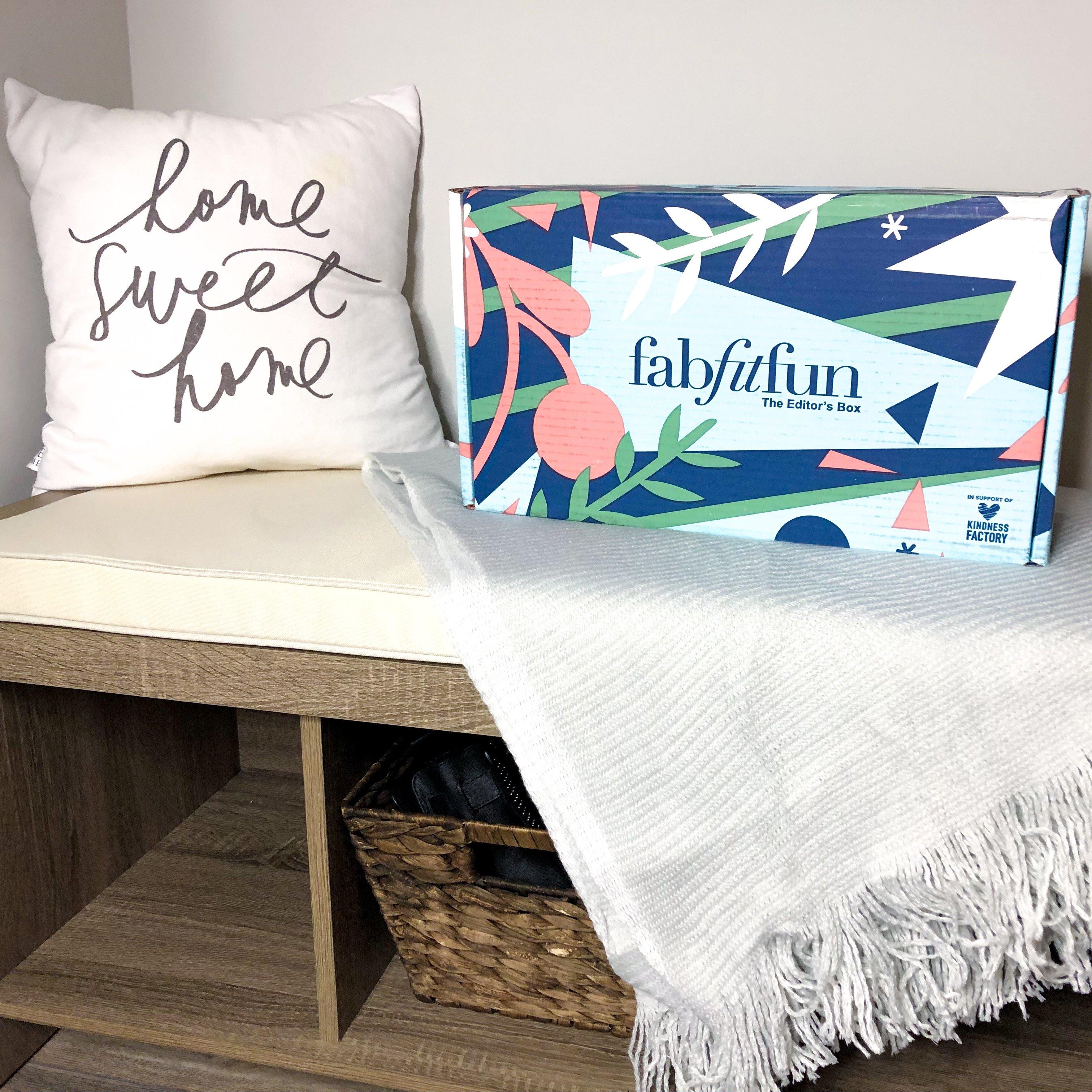 Unboxing: FabFitFun Winter Editor's 2018 Box
