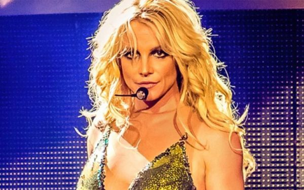 Britney Spears' Manager Larry Rudolph Resigns
